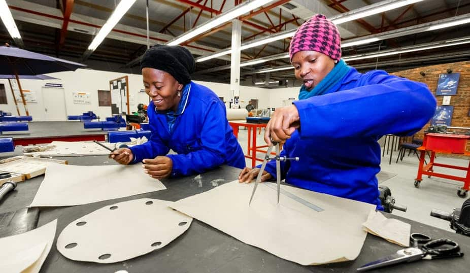 South Africa's labour market is more favourable to men than to women. The 4IR may widen the gap.